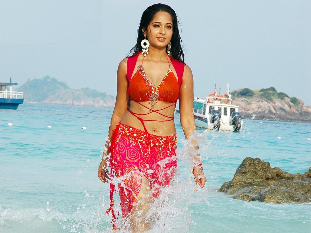 anushka hot photos anushka shetty 11