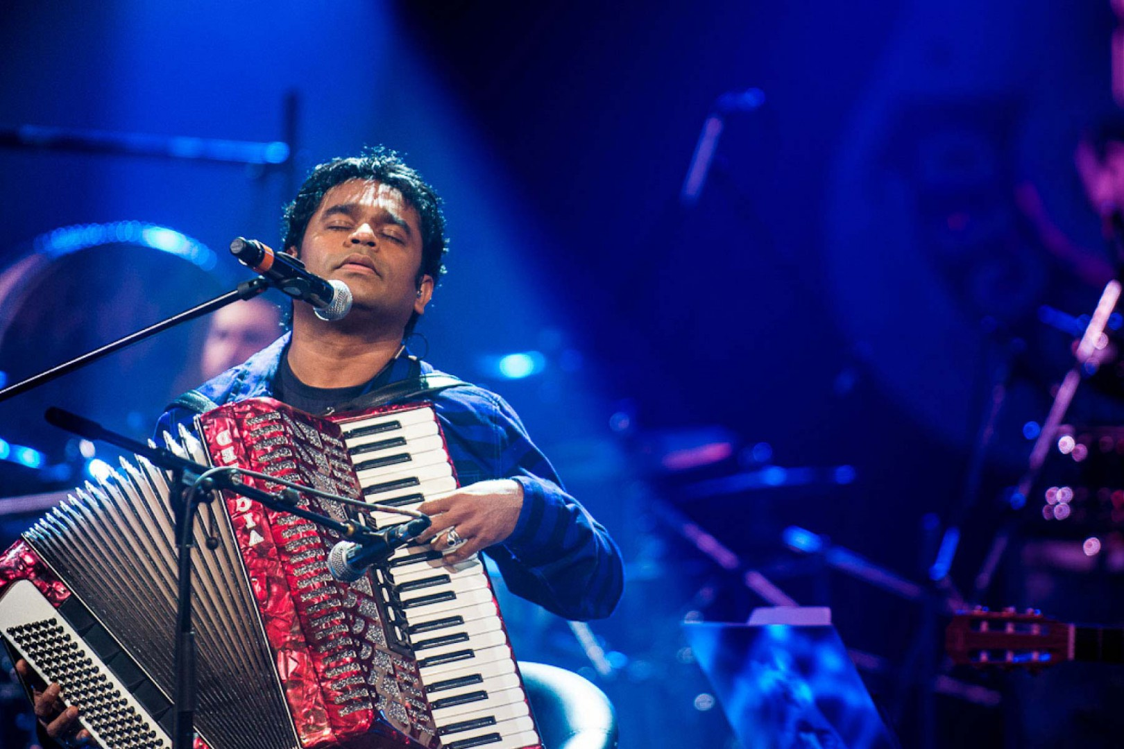 """a.r.rahman: the mozart of madras essay He's been called """"the mozart of madras"""" – and composer a r rahman is a true living legend his 100-plus film scores include indian classics such as lagaan, bombay, roja and dil se, whilst slumdog millionaire, 127 hours and elizabeth: the golden age have brought his irresistible brand of melody to audiences around the world."""