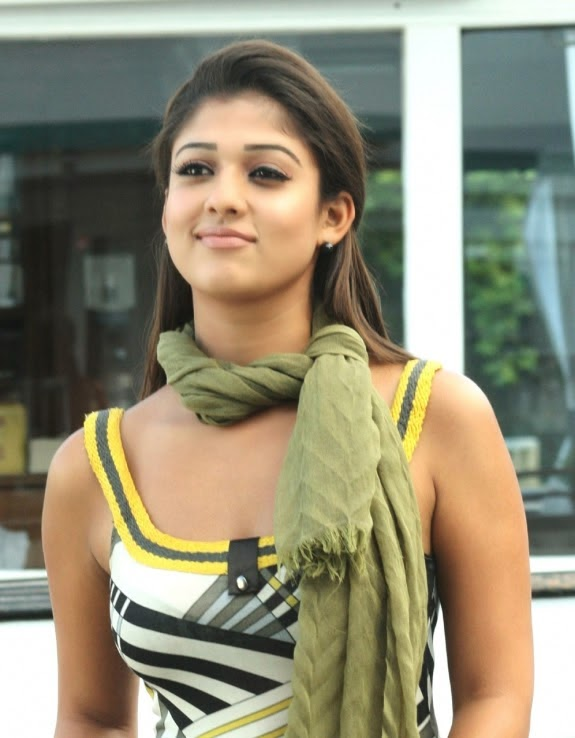 Nayanthara Hot Photos (15)