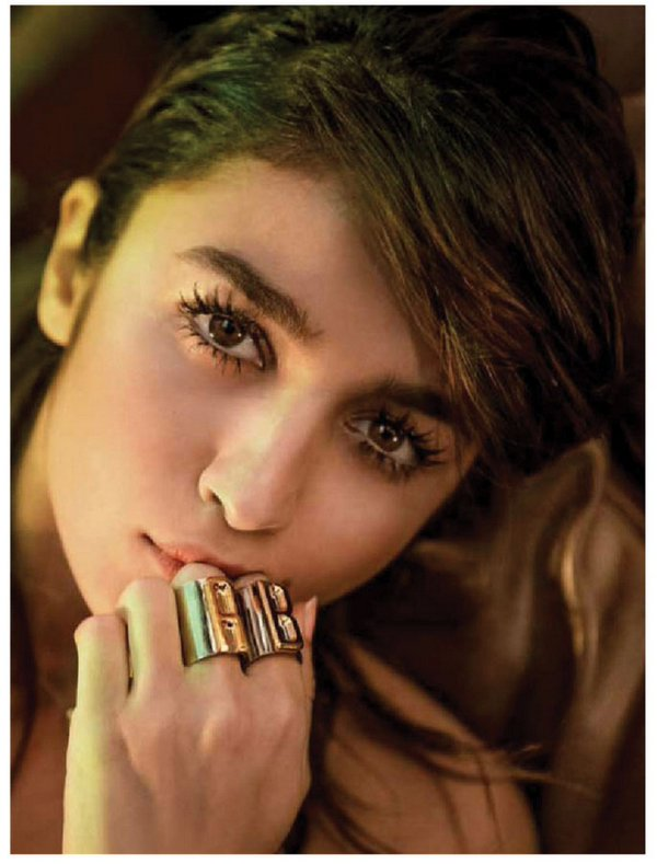 Alia Bhatt Hot Photos Poses For Grazia (4)