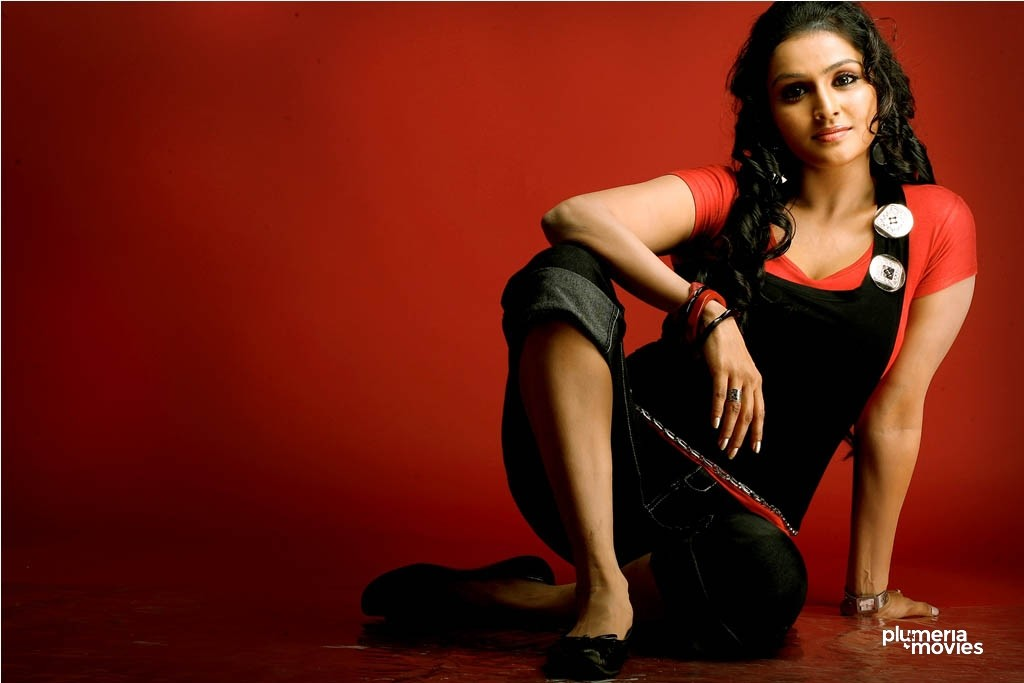 malayalam actress who have done popular tamil movies also like pizza