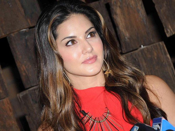 Simply Beautiful sunny leone