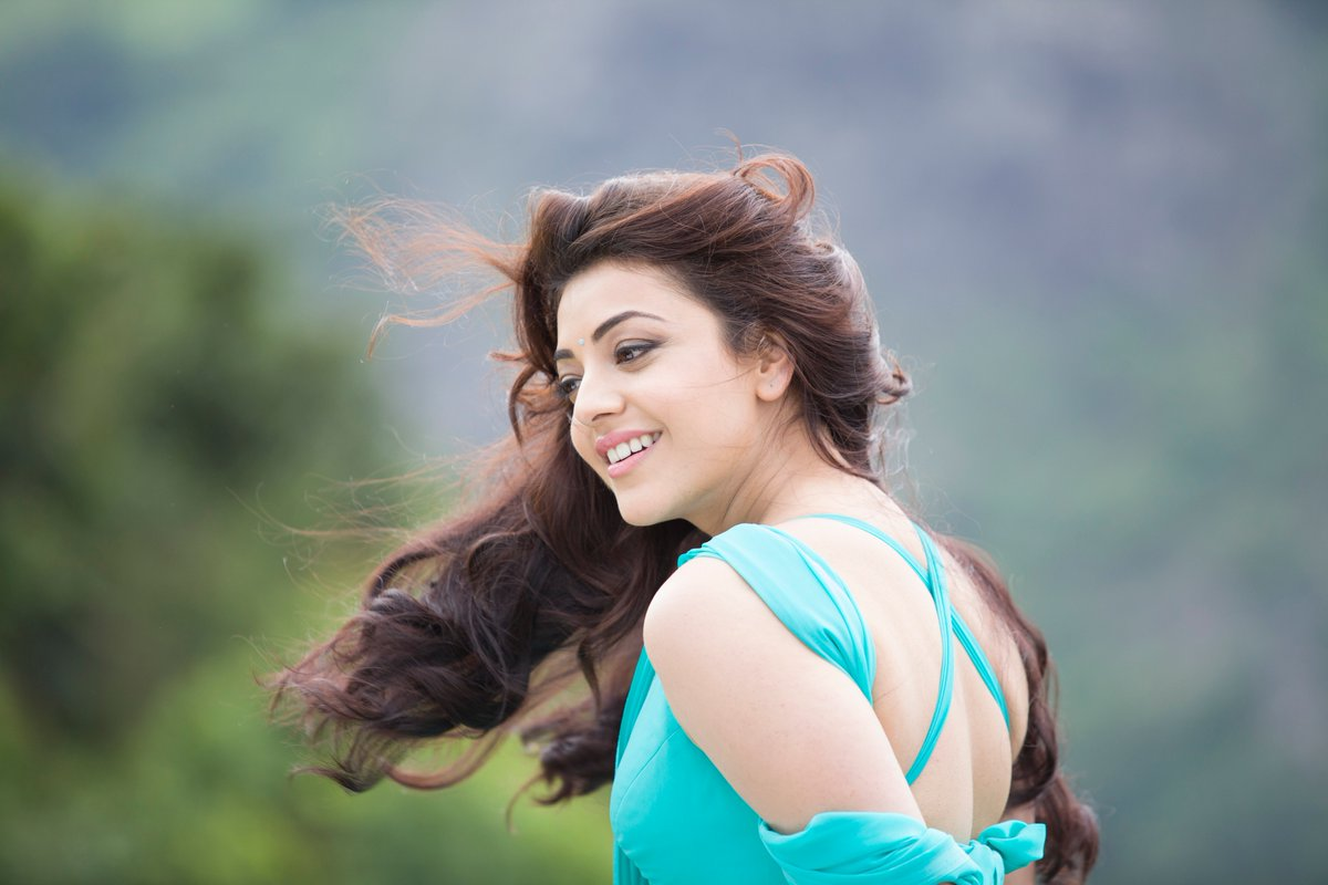 kajal-aggarwal-hot-in-kavalai-vendam-1