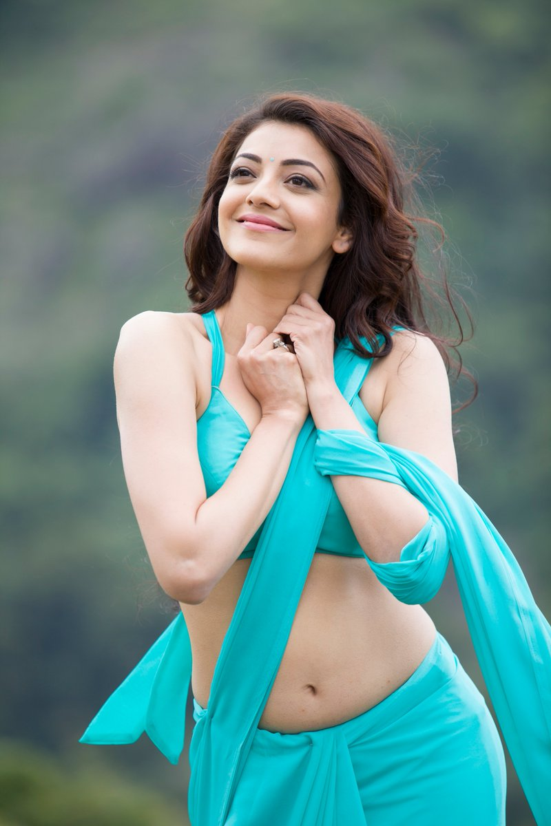 kajal-aggarwal-hot-in-kavalai-vendam-2