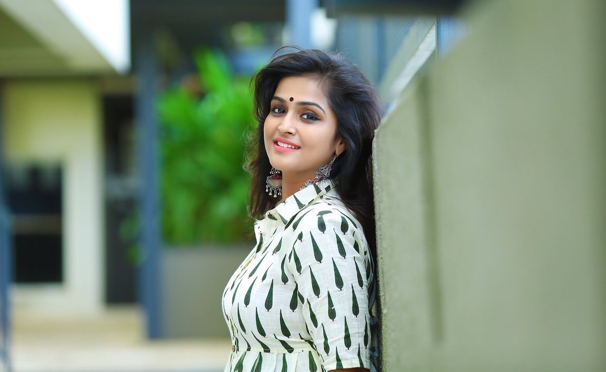 11 awesome photos of ramya nambeesan |