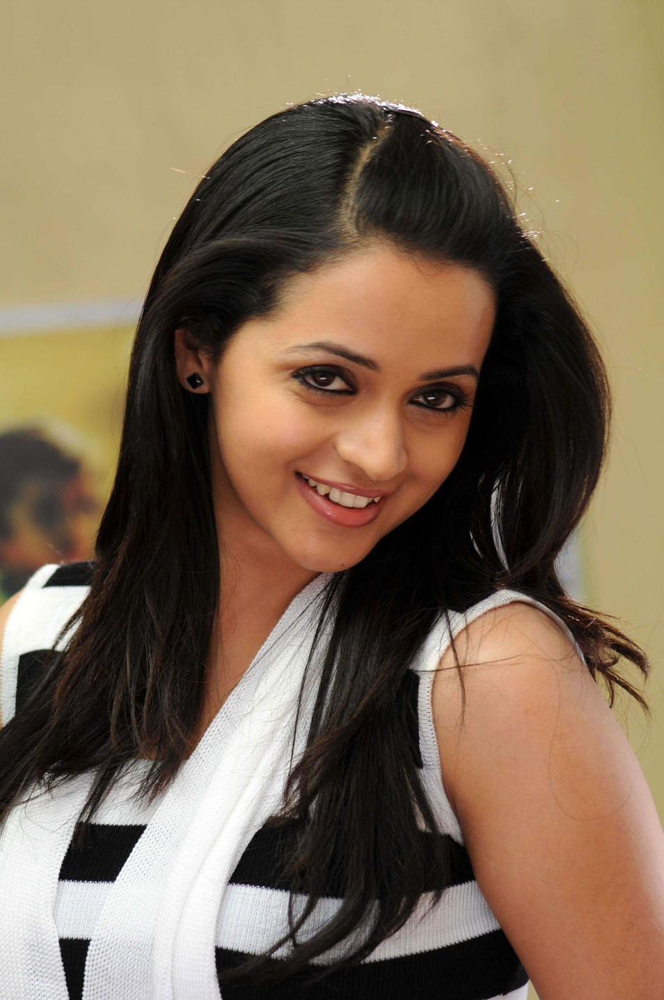 17 Best Bhavana Menon Pics Which Are Sizzling Hot And Beautiful