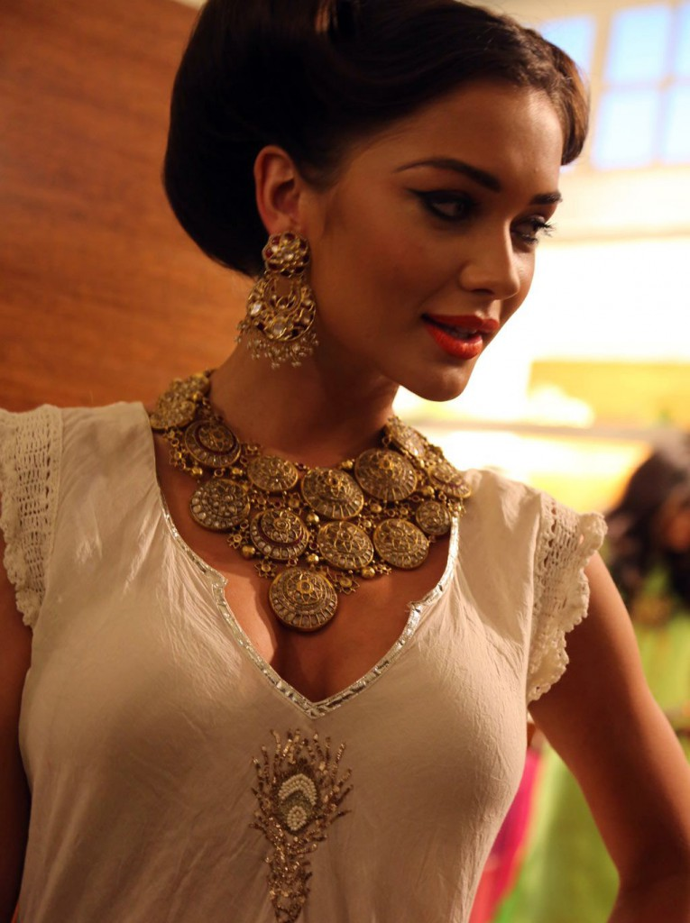 Amy Jackson hot real life photo