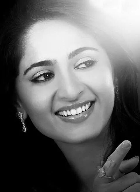 Anushka Shetty black and white photo smiling