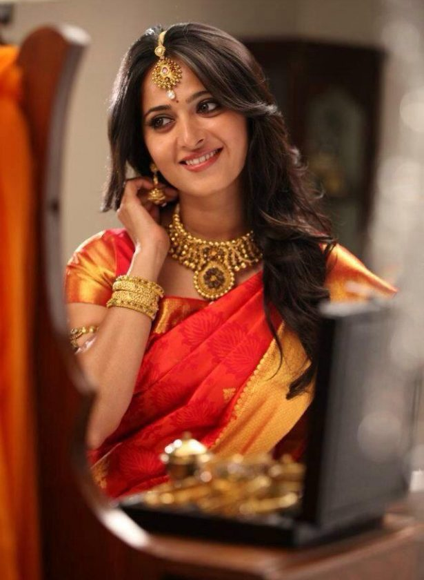 Anushka Shetty red saree Indian Actress