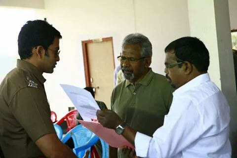 Maniratnam with Prithviraj at Ravanan Location