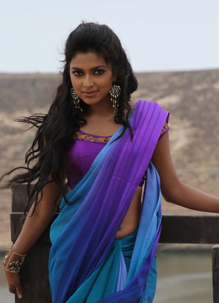 Amala Paul Hot Navel