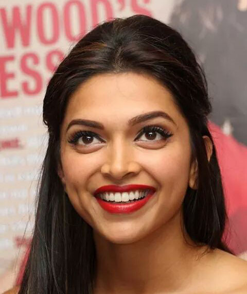 Deepika Padukone smiling close up