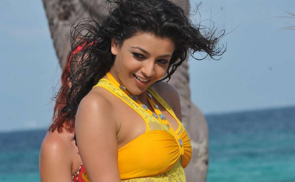 Kajal Aggarwal hot in tight top