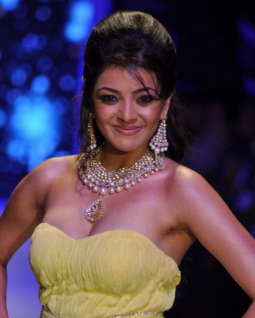 Kajal Aggarwal hottest cleavage photo