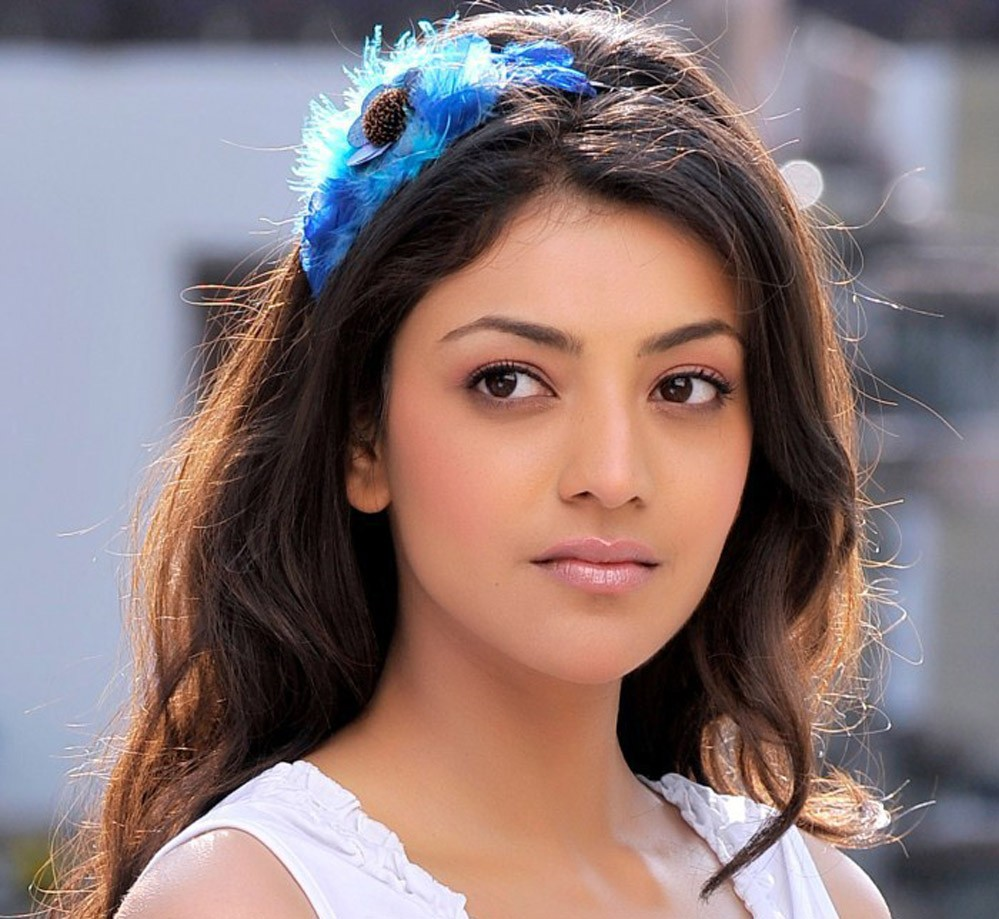 Kajal Aggarwal hot in white top baniyan
