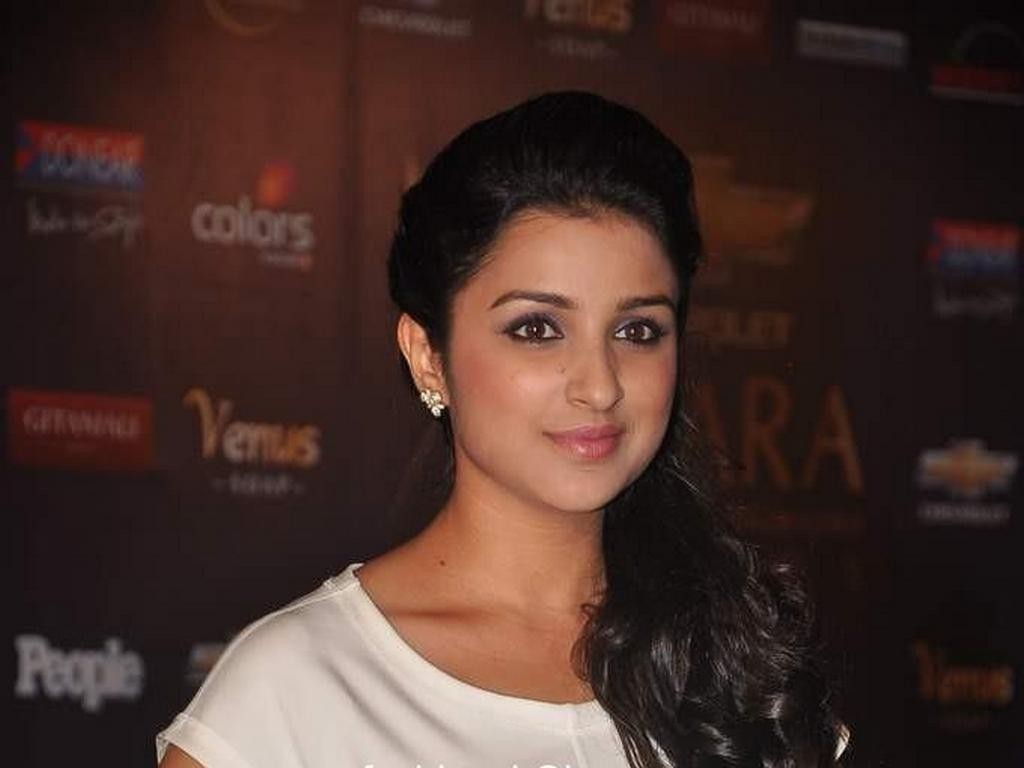 Parineeti Chopra (2)