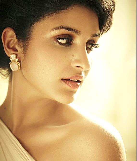 Parineeti Chopra (7)