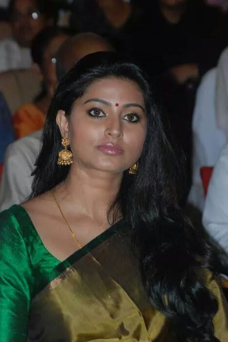 Actress Sneha in green saree