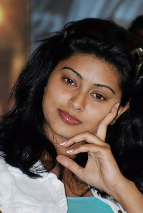 Sneha close up photo