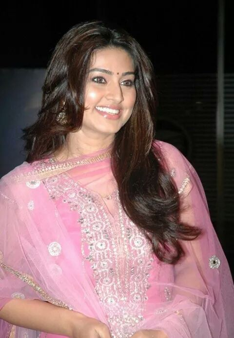 Sneha beautiful in pink sudithaar