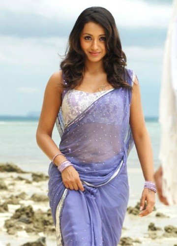 Trisha Krishnan hot in saree