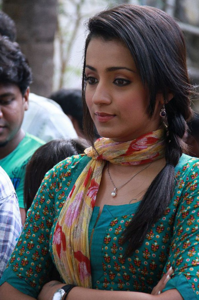 Trisha in simple dress