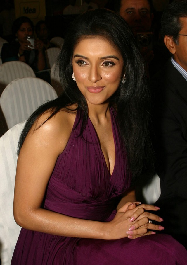 Asin real life hot photo from a film function