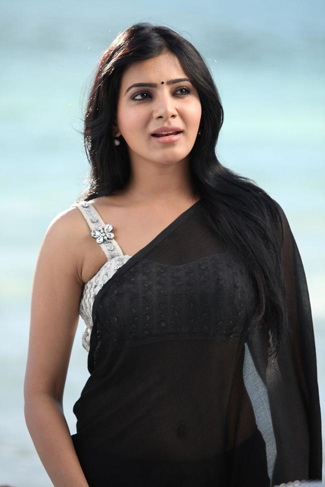 Samantha Prabhu in black saree