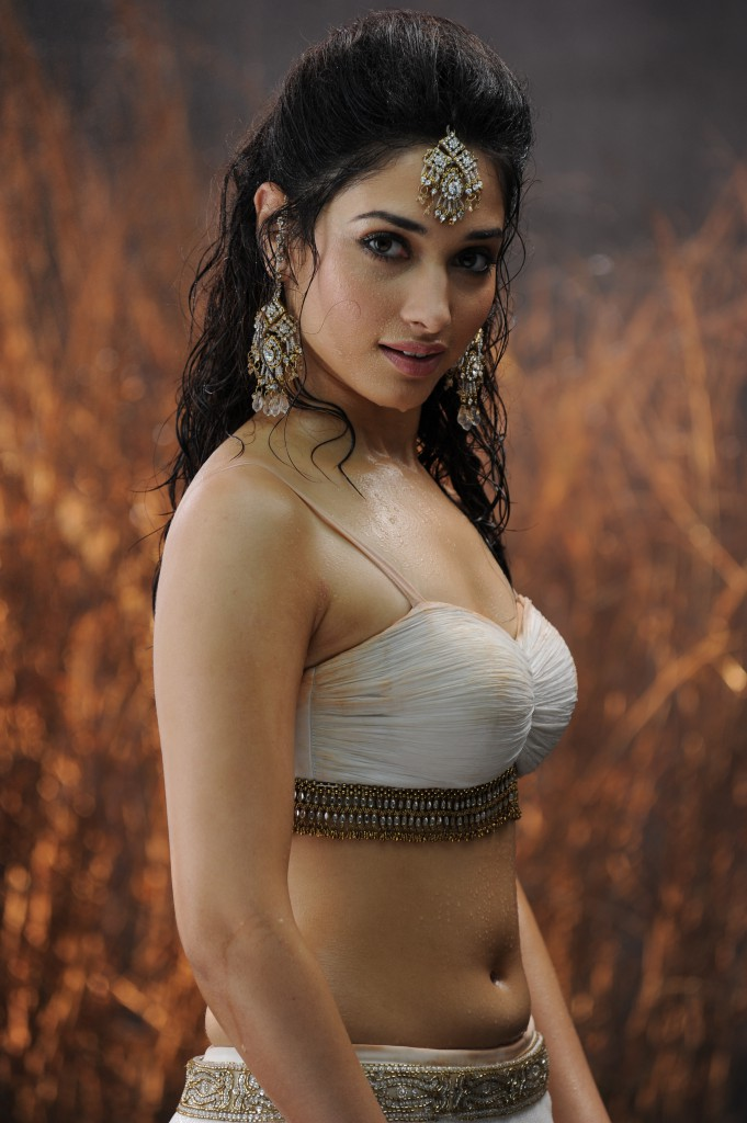 Tamil actress Tamanna in hottest photo
