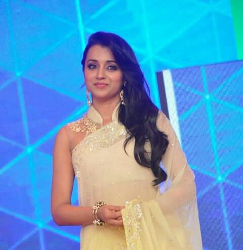 Trisha hot in white saree