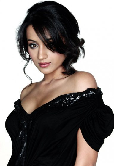 trisha krishnan hot in black