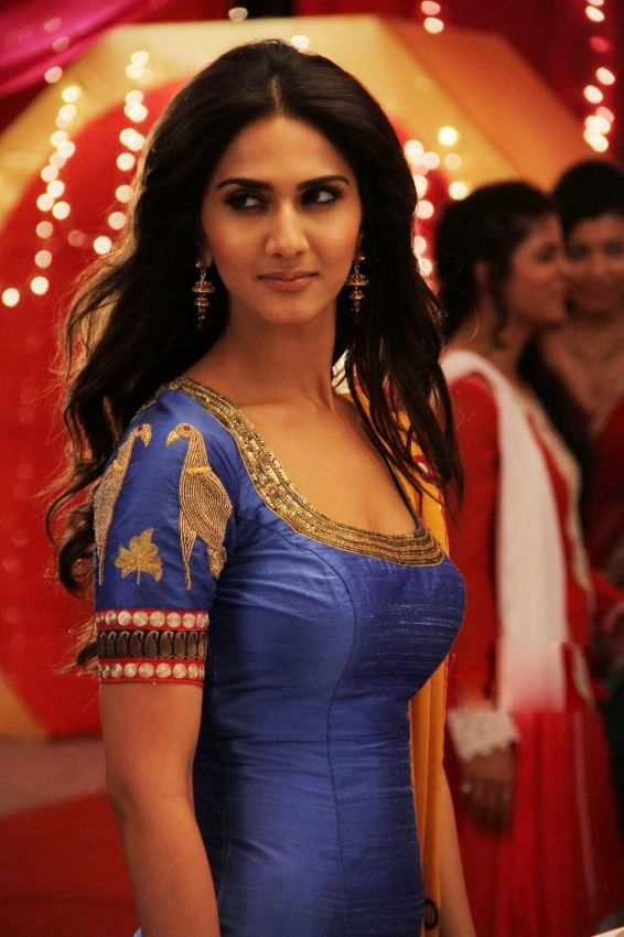 Vaani Kapoor in simple dress