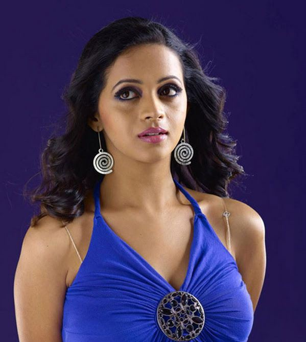 Actress bhavana blue top hot