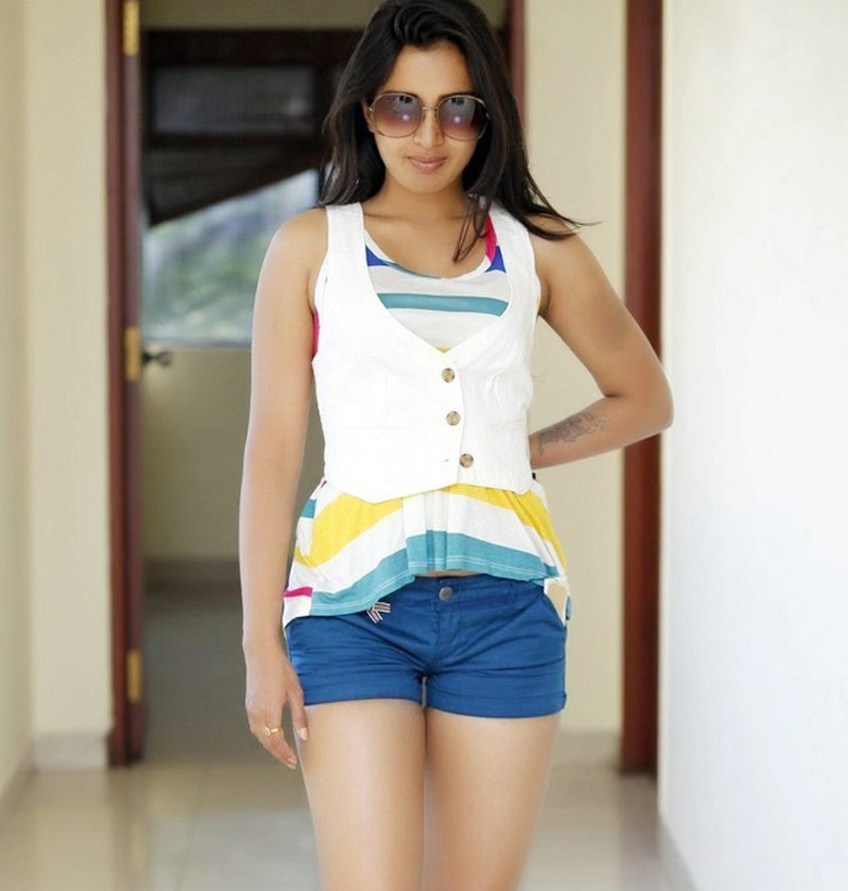Catherine Tresa hot tamil actress