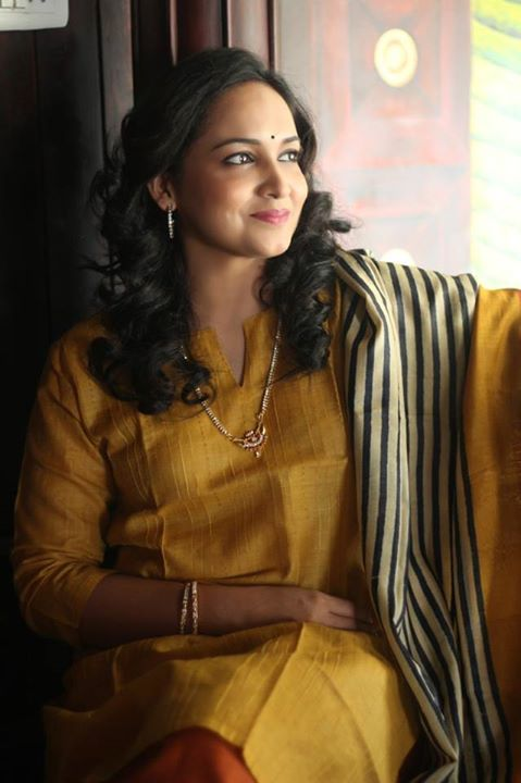 Malayalam Actress Lena in simple sudithar