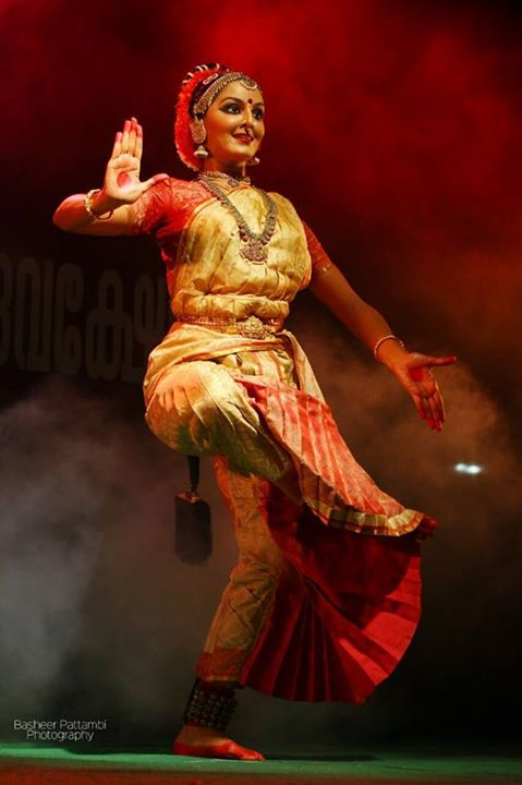 Manju Warrier Dancing Pose