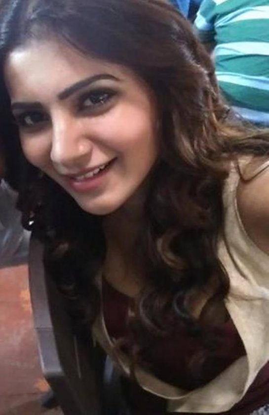 Samantha selfie real life photo without makeup