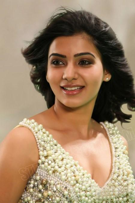 Samantha navel photo smiling