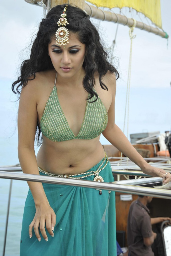 Tapsee bikini hot photo