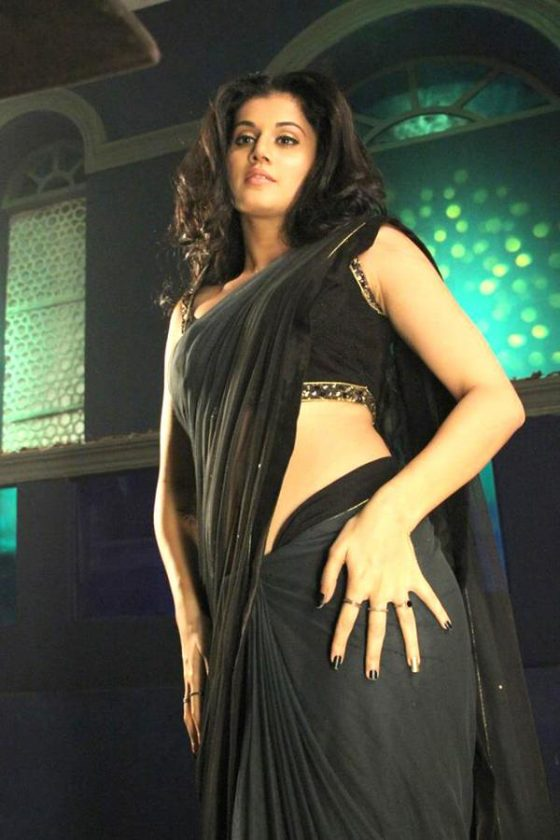 Tapsee navel show hot