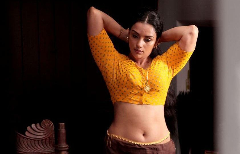 Shwetha Menon HOT Malayalam Actress (7)