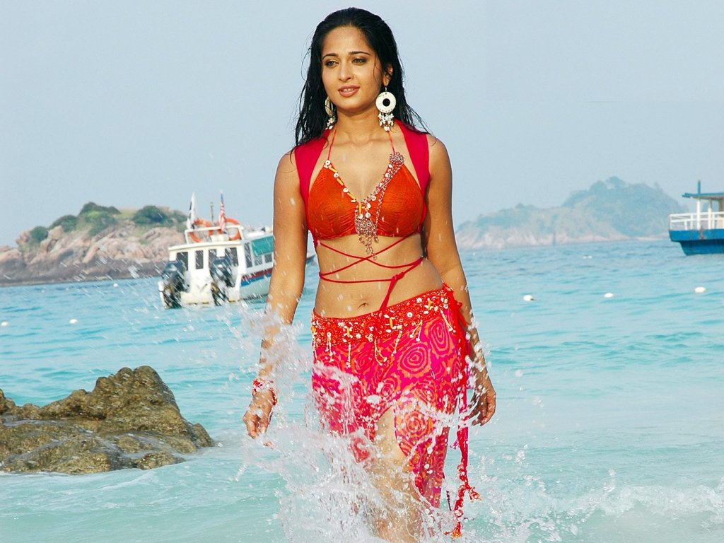 Anushka Shetty Hot bikini in beach