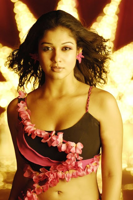 Nayanthara Hot Photos (1)