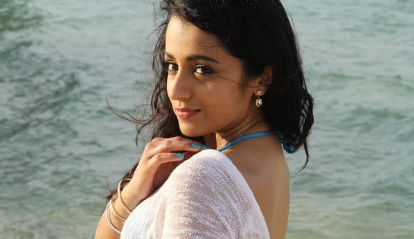 Trisha HOT in Kalavathi Aranmanai 2