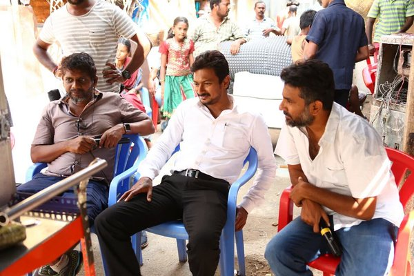 #Manithan Working Stills Hansika  (8)