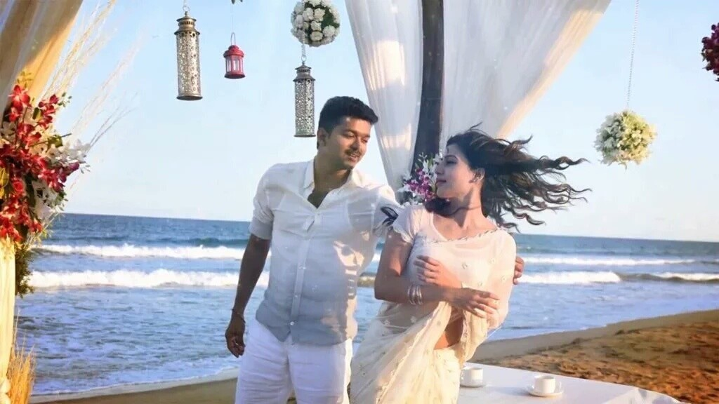 Vijay in Theri Samantha Prabhu (3)