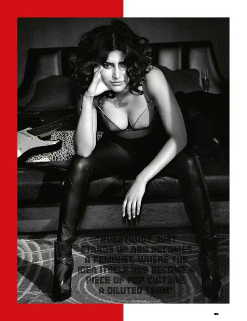 Shruti Haasan Navel Hot Photoshoot GQ 2016 (4)