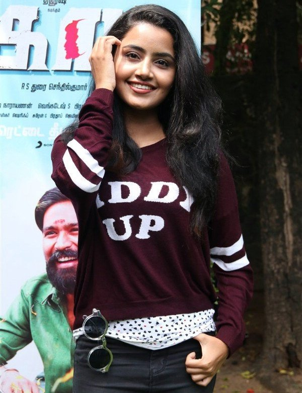 anupama-parameswaran-hot-in-kodi-1