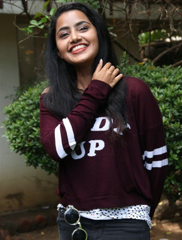 anupama-parameswaran-hot-in-kodi-2