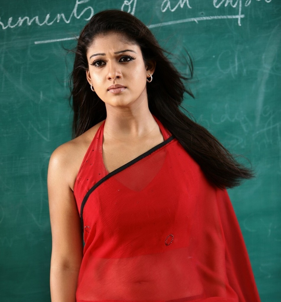 nayantara-hot-saree-photo